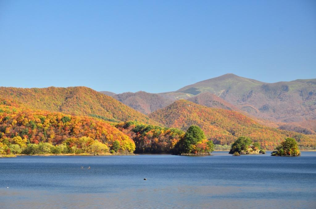 秋元湖の紅葉